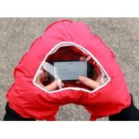 Rukávník s okénkem na mobil